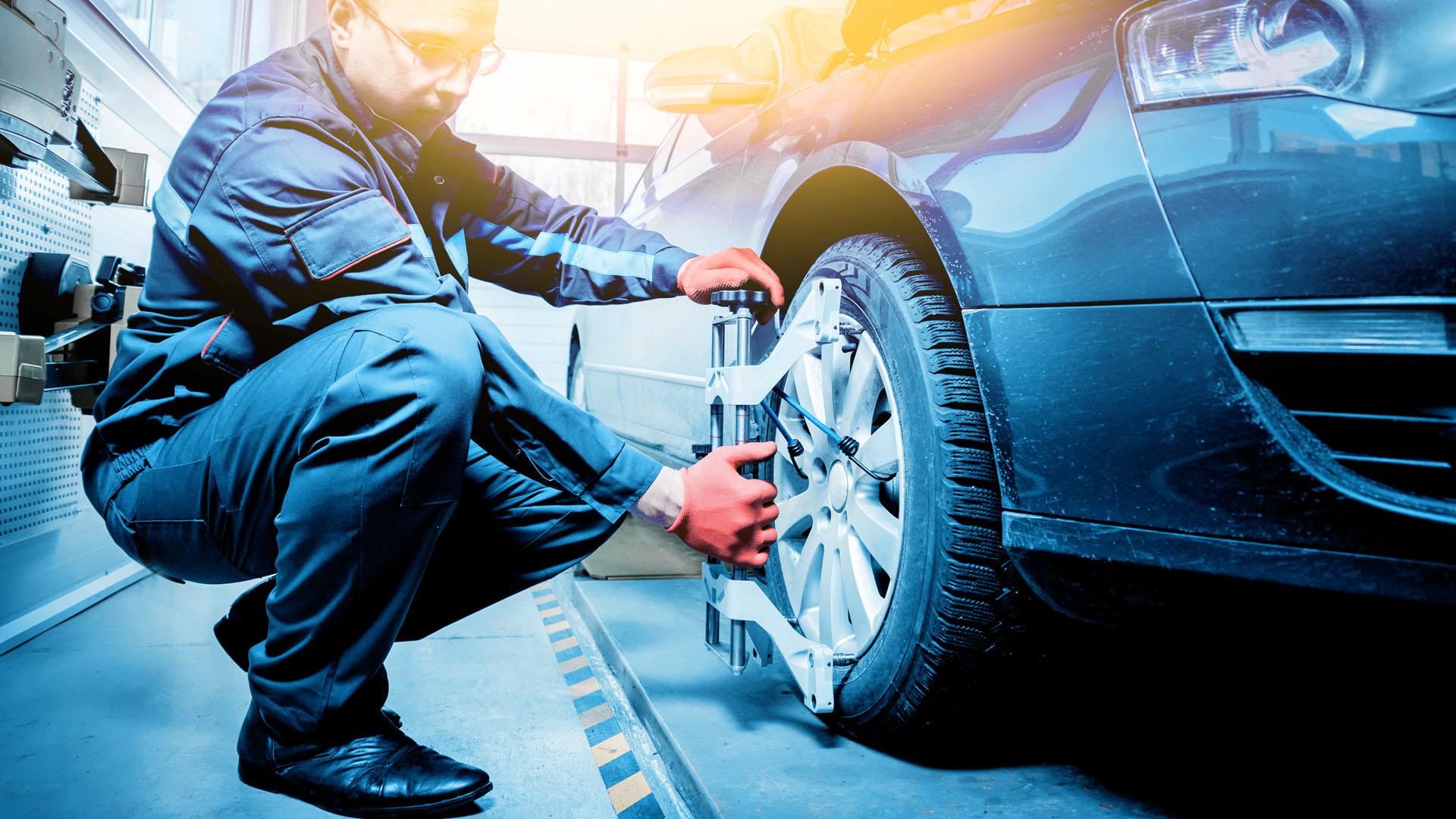 Suuntauslaitteet korjaamoille ja rengasliikkeille